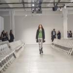 ●リアル(ファッションショー)を起点にしていたファッション業界も いよいよネット空間重視へ